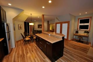 Longhouse Bay Getaway 1 bedroom cottage: kitchen, living and dining area