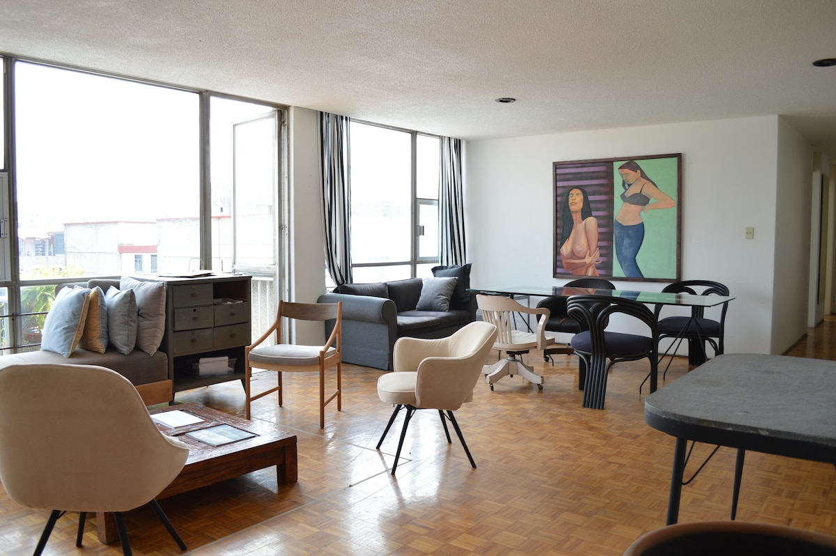 Huge and beautiful room in la Roma