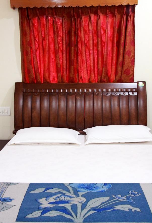 Lloyds Guest House, North Boag Road, T. Nagar - Classic Room
