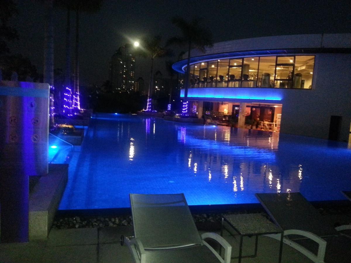 Luxury APT Center HCM own Balcony