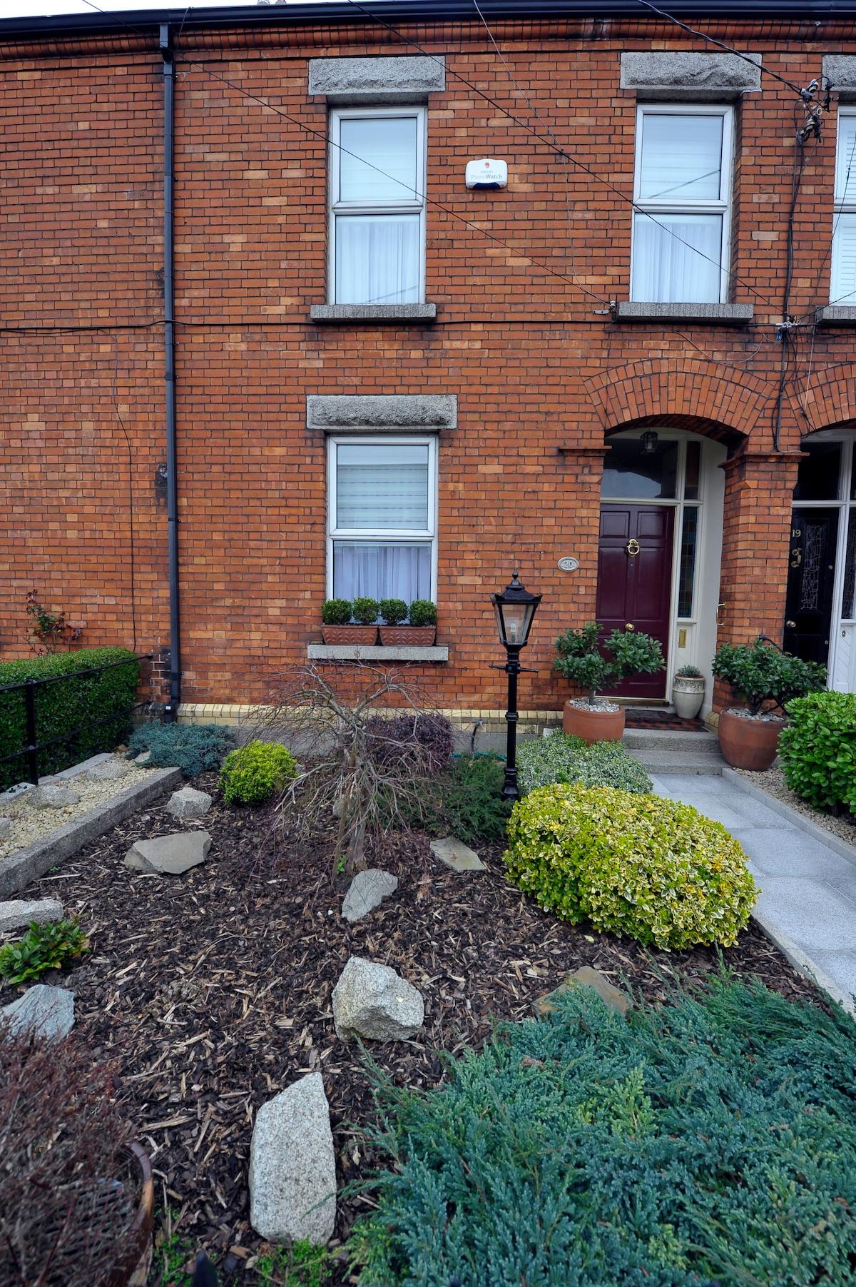 Front Garden - Entrance