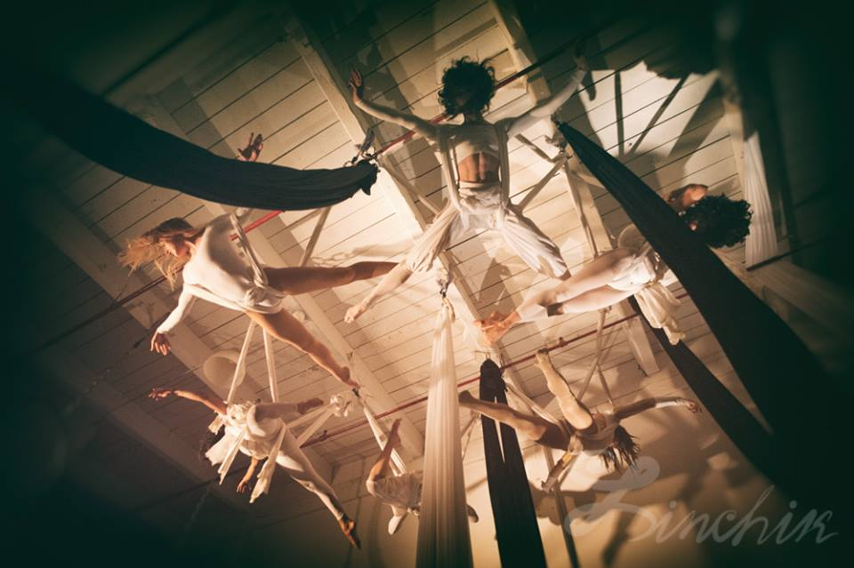 Urban Circus LOFT - Room w skylight