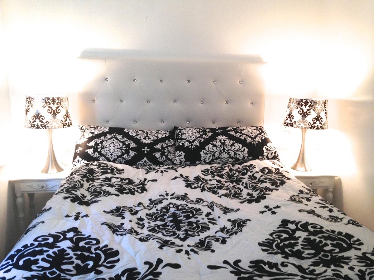 1 bedroom Apt. 1st FL ,Private Ent