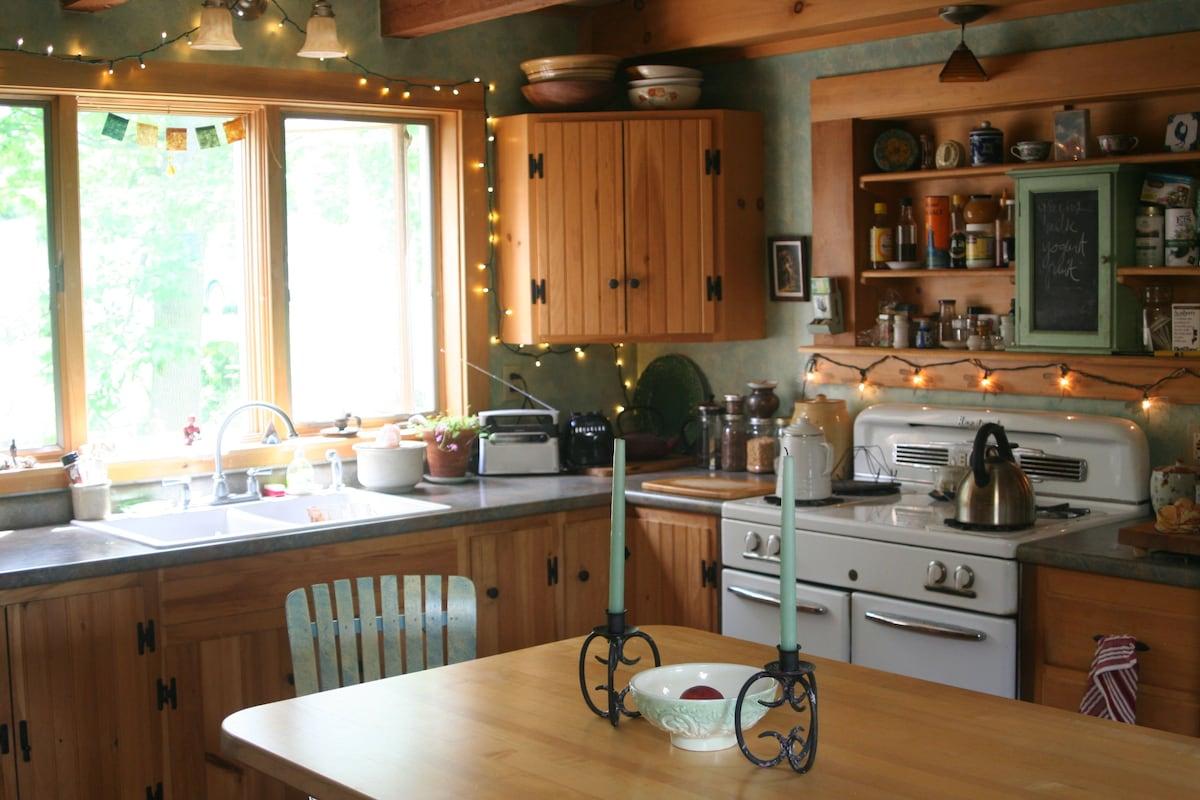 custom made &  sunny kitchen