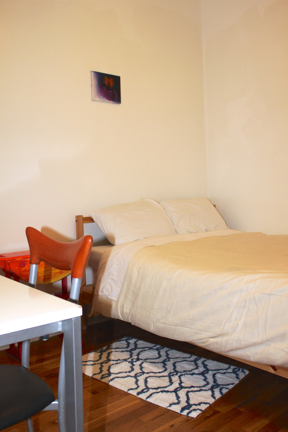 Fully furnished, super clean-