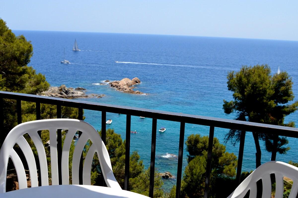 Estudio  vistas al mar y piscina 2