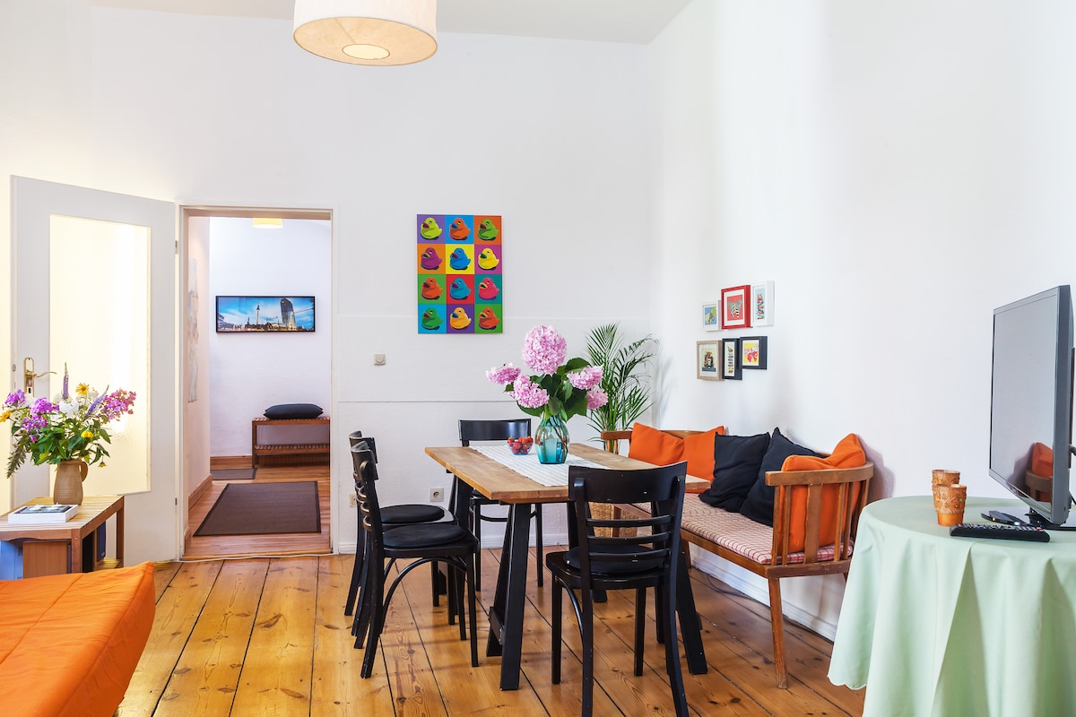 Quiet, spacious, flat in Schöneberg