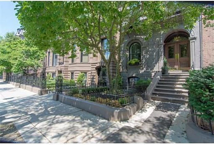 Beautiful and historic Victorian brownstone on Beacon St.  Perfect location in between Arlington and Berkeley St.  A Boston location doesn't get better. Central and walkable (or a 10 min Uber/cab) to everything in Boston!