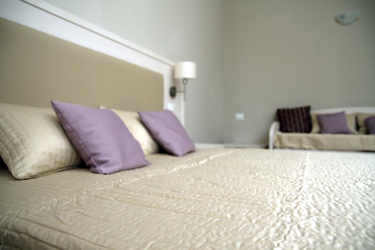 Trippel bedroom (old foto)