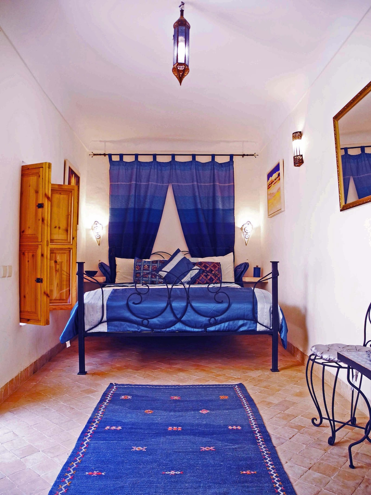 Our charming first floor Blue Double Bedroom with en suite tadalect bathroom.