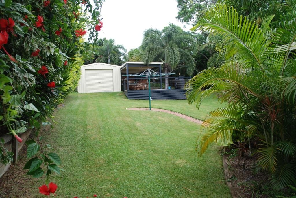 Yeppoon: quiet location, sea view