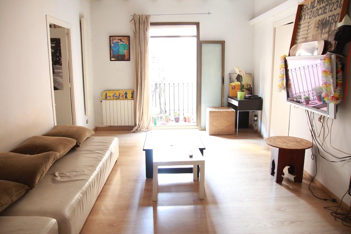 Big room for rent in El  Borne