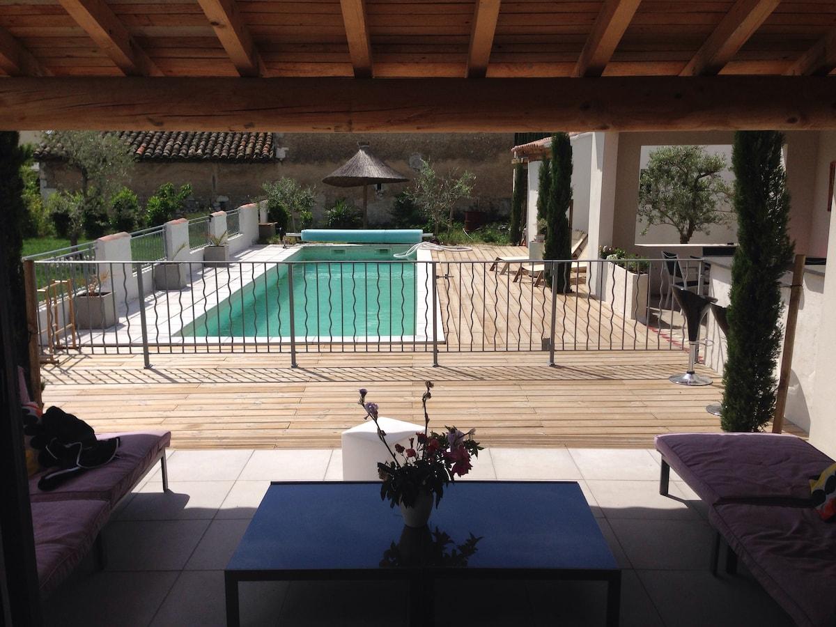 Villa provençale avec piscine