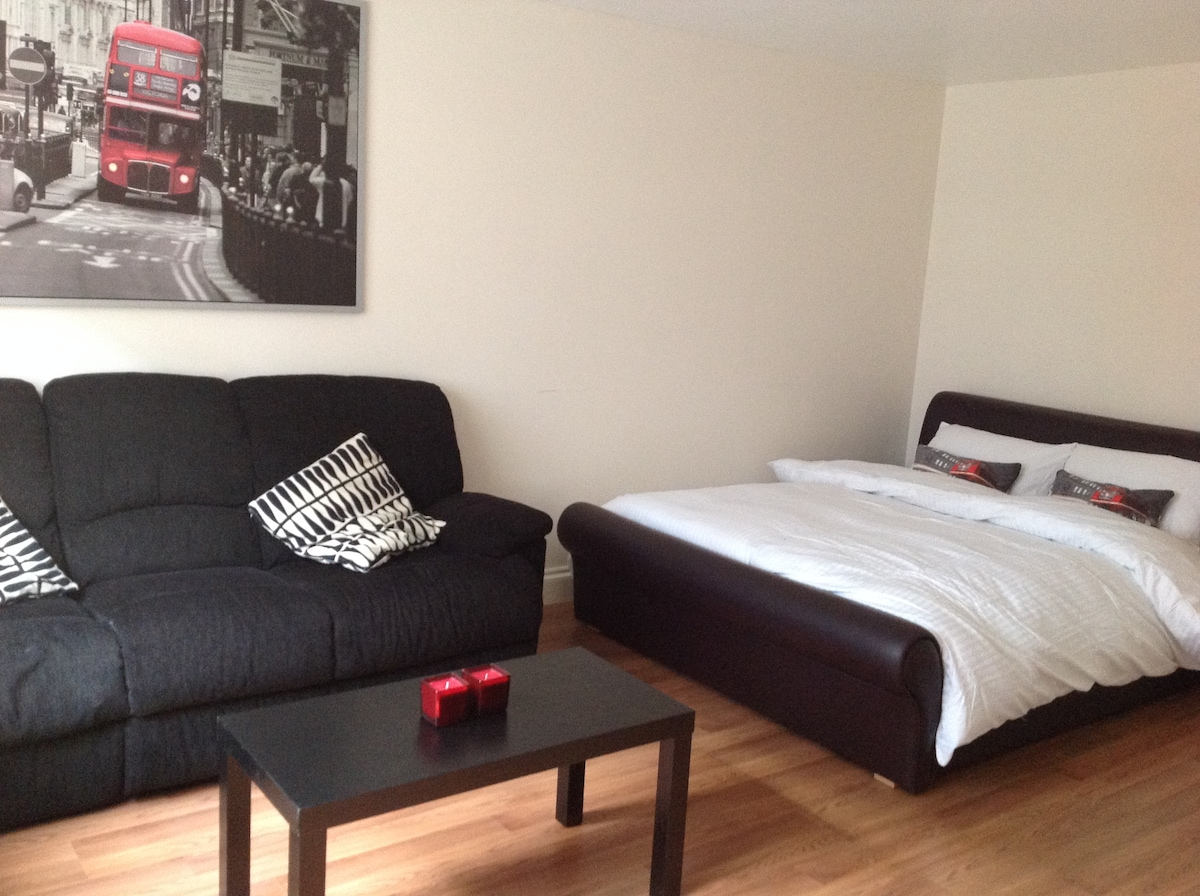 Studio Flat close to Central London