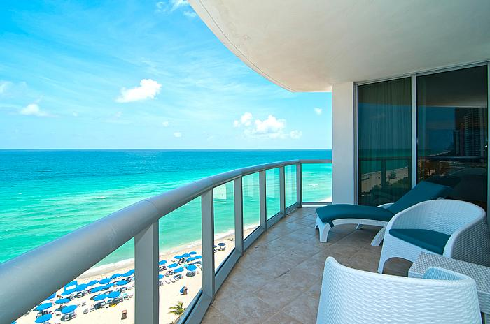 Oceanview w/Balcony - JULY SPECIALS