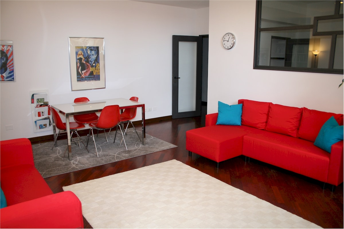 -- Wooden floor all over the apartment - Wifi free - Air conditioning