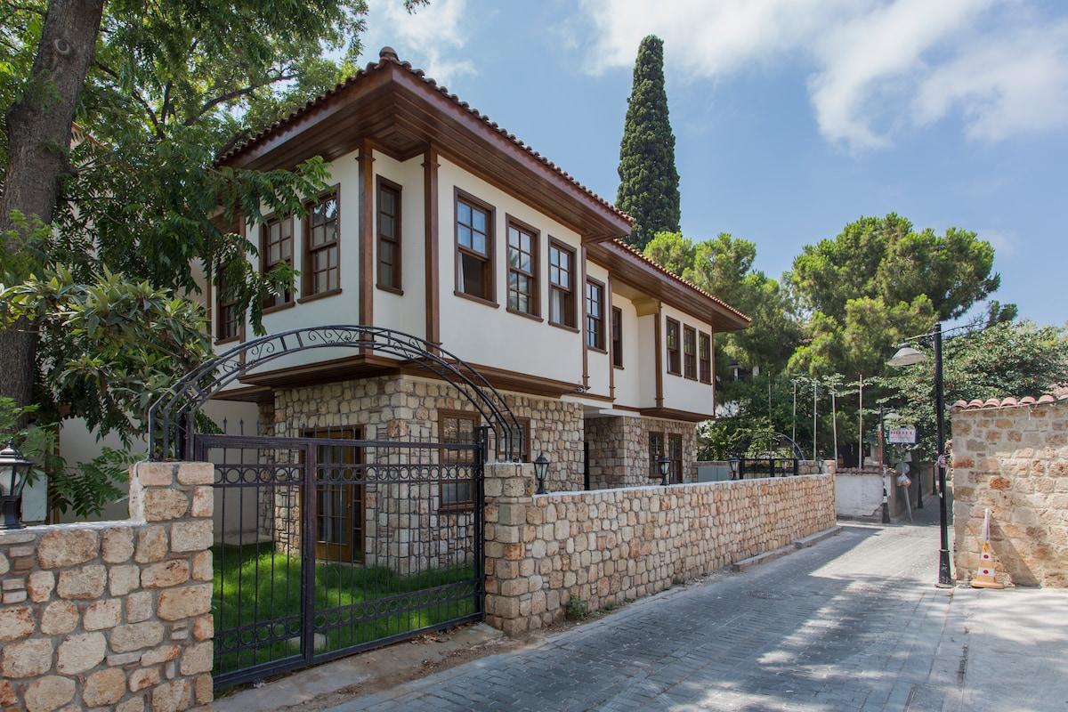 1+1 stone house apart in Antalya