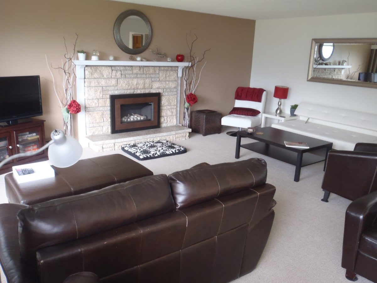 Lots of space and seating in the living room for everyone