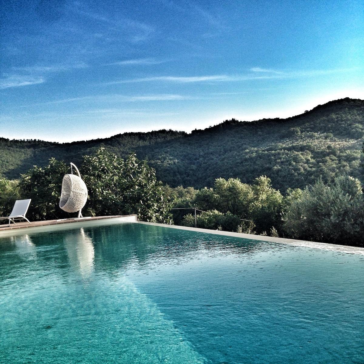 18 Century villa with pool