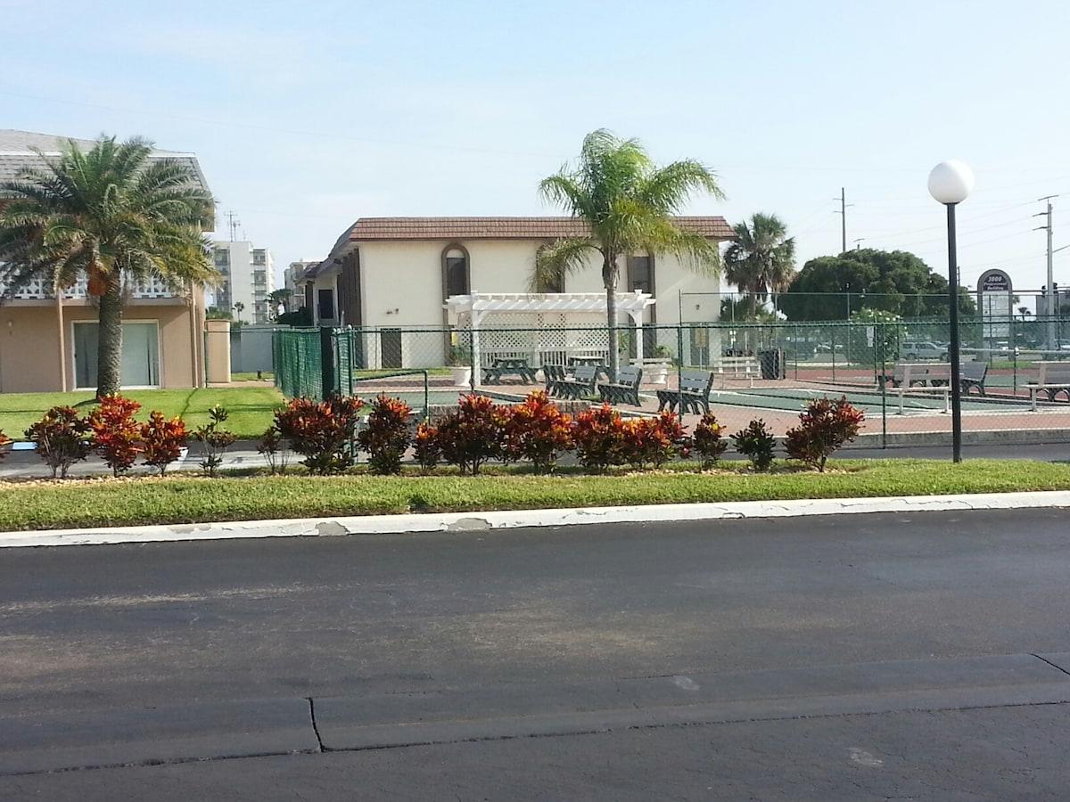 Rec Area: Bocci, Shuffleboard, Tennis Court