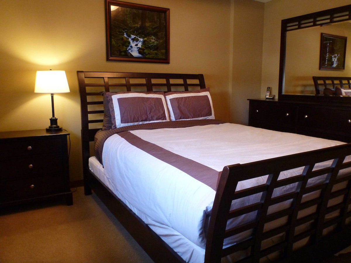 Master bedroom: plenty of drawer space and a closet too.  Brand new quality mattress with organic cotton.