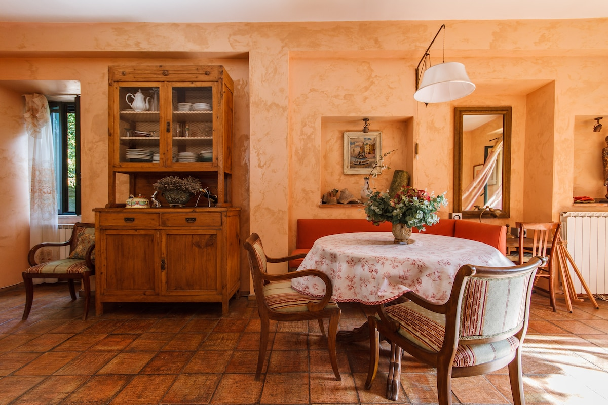 Traditional Italian furniture and handmade cotto floor