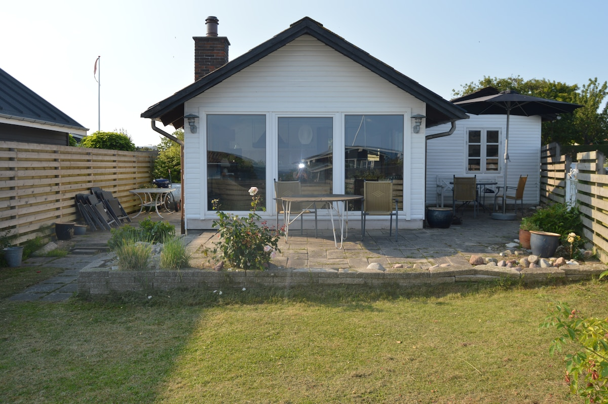 Summerhouse 50m from the Beach:-)