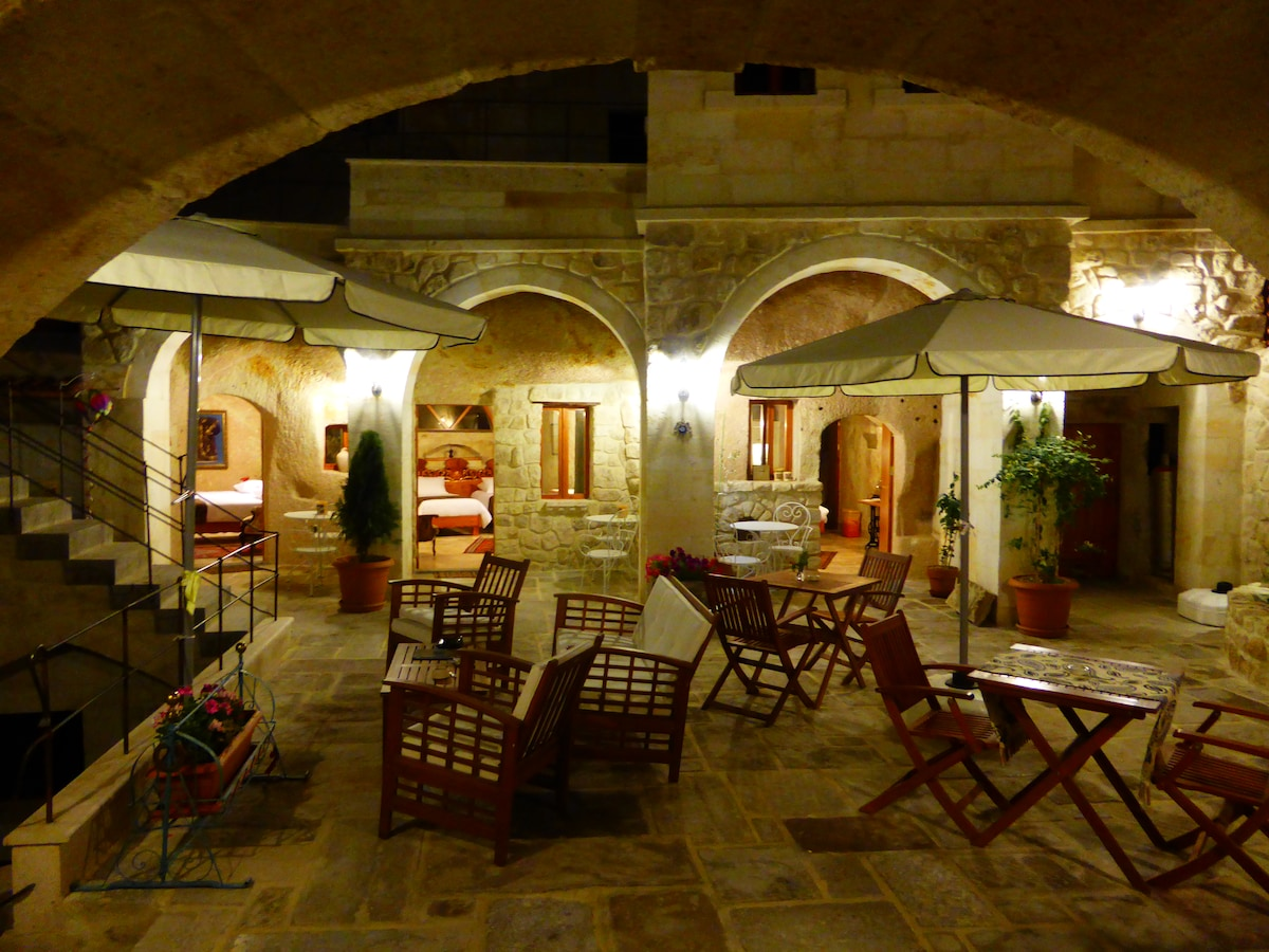 Courtyard Cave Hotel  Standard Room