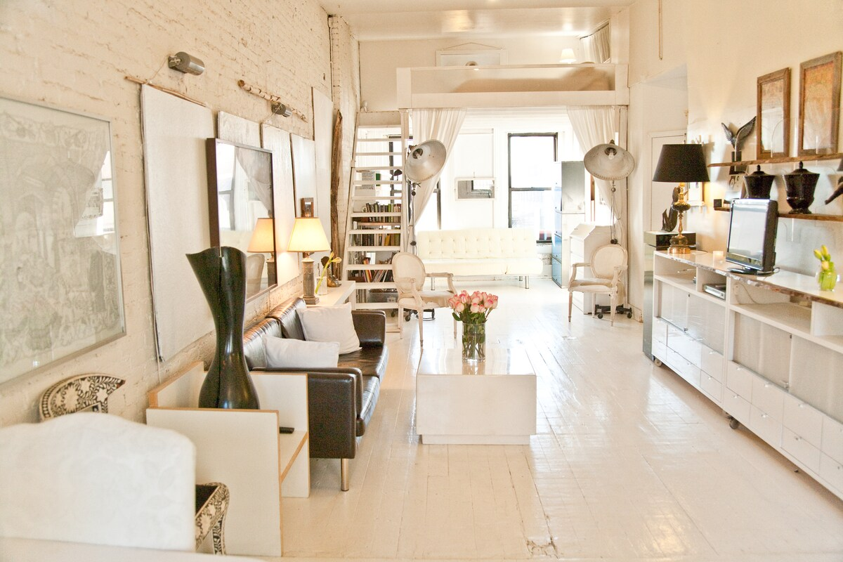 Light+Open+Airy+Rustic+Modern Loft