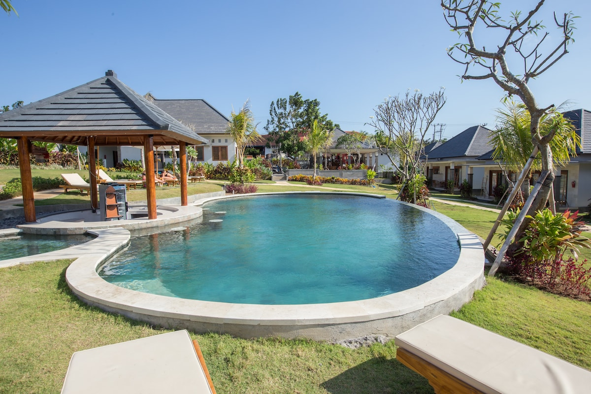 Clean value bungalows by top surf