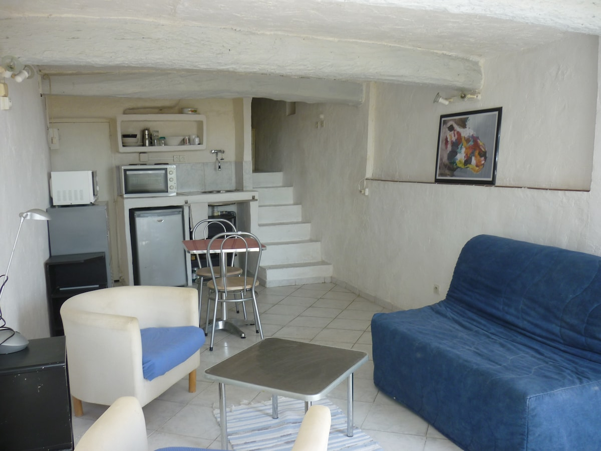 NICE FLAT IN VIEILLE VILLE - HYERES