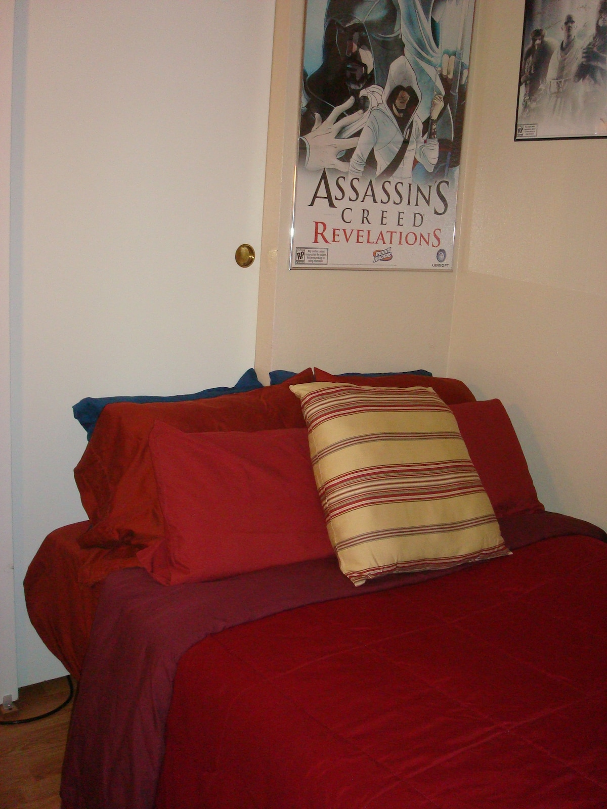 Another angle of the bed.