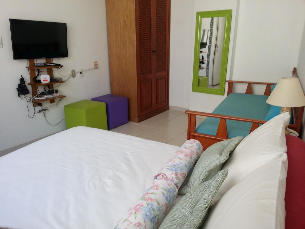 quarto com armário duplex de duas portas