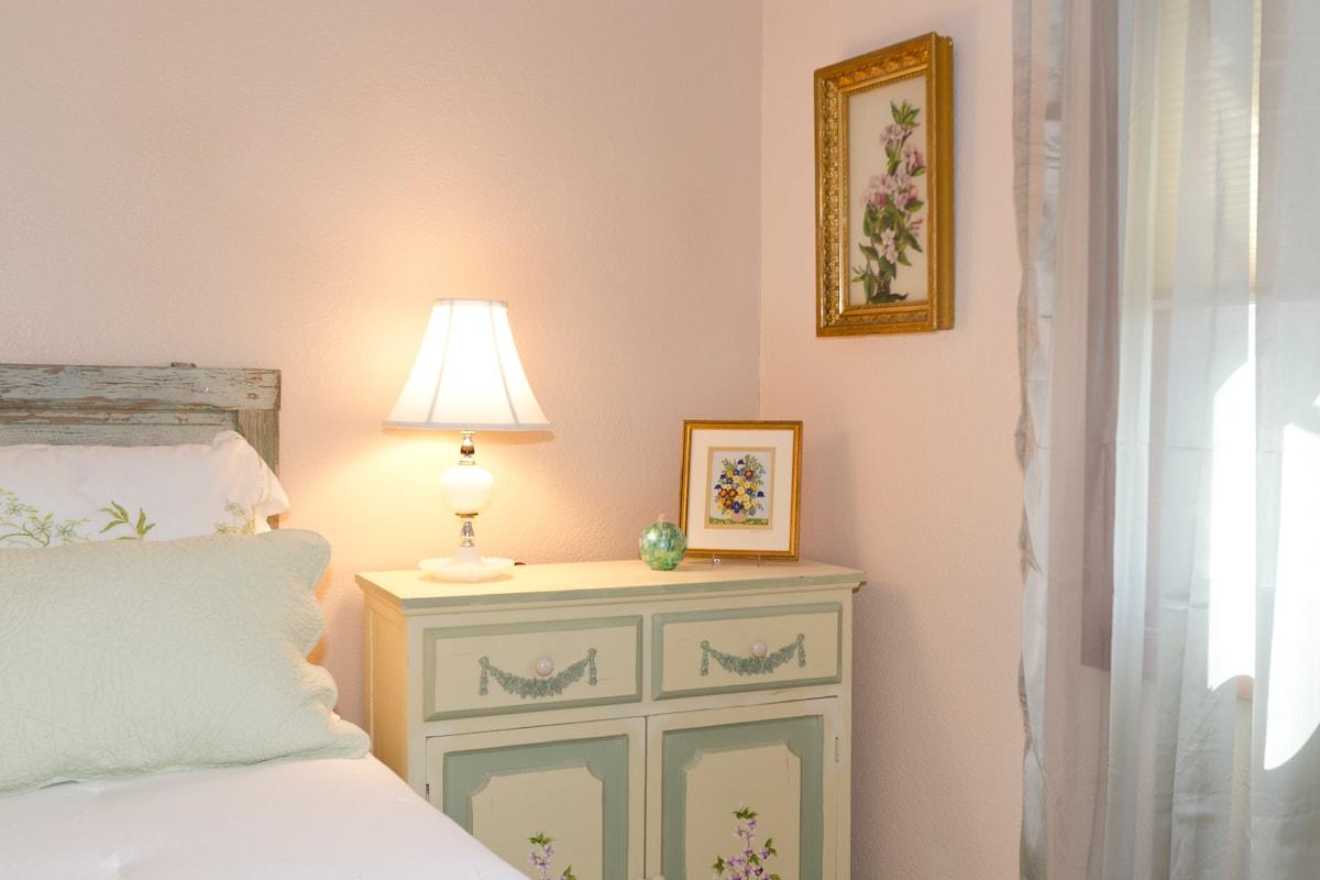 Wine Country Getaway Room & Bath