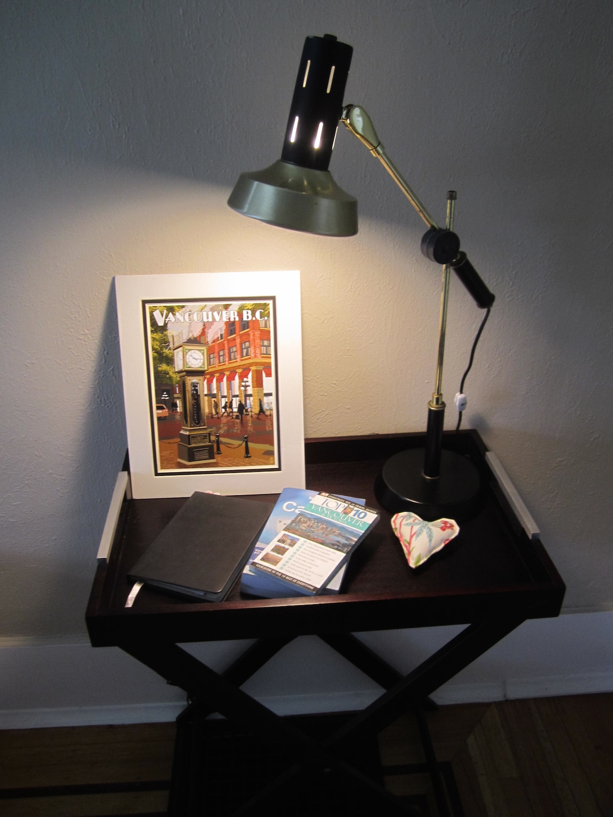 Table with tour guides and maps