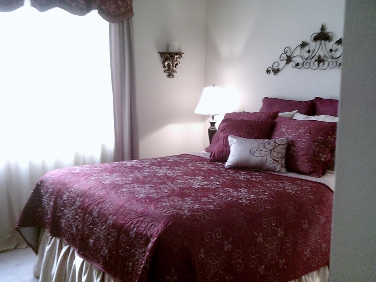 Quiet Room in Sunny Ventura