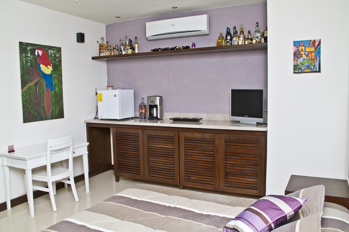 Cosy studio in a luxury house.