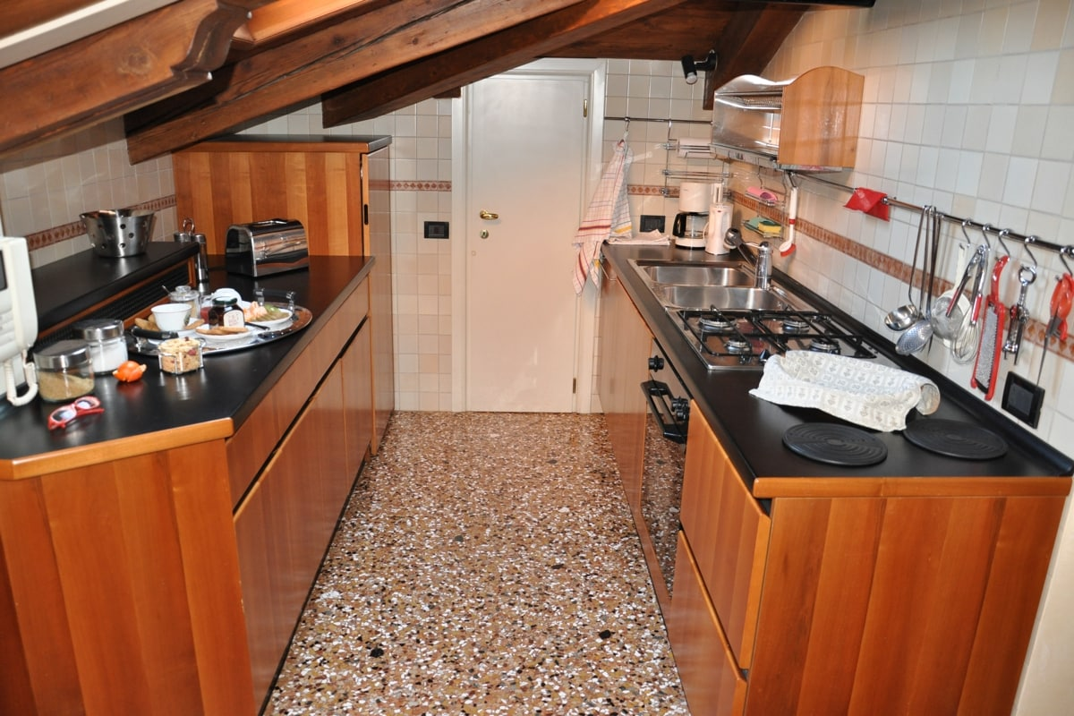 here the kitchenette with dishwasher, kettle, toaster and anything you might need