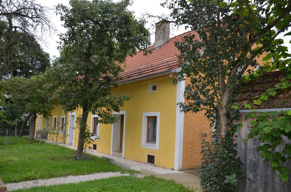 Landhaus zentral + familienfreundl.