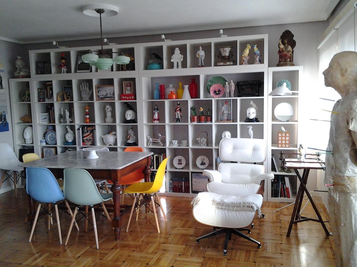 Room in arty flat in Oviedo