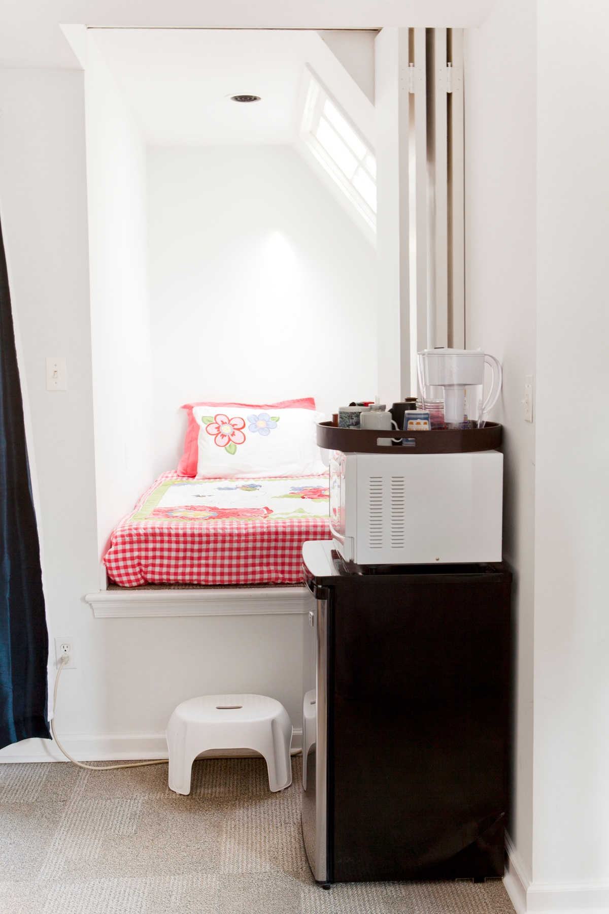 Step-up alcove sleeps one. (Kids love it!)