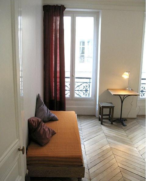 Montmartre/Abbesses Cosy Flat