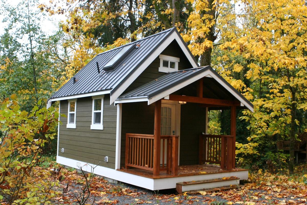 Modern Redmond Tiny House w/Loft!