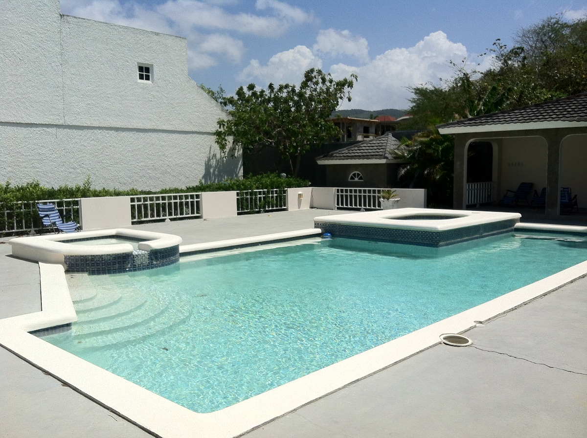 The pool - right beside the townhouse! Easily accessible from the front or back of townhouse.