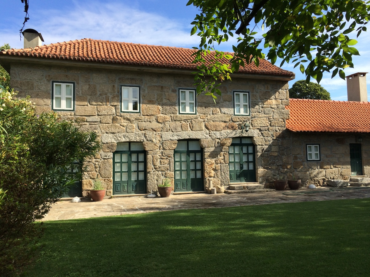 Country House with pool near Porto