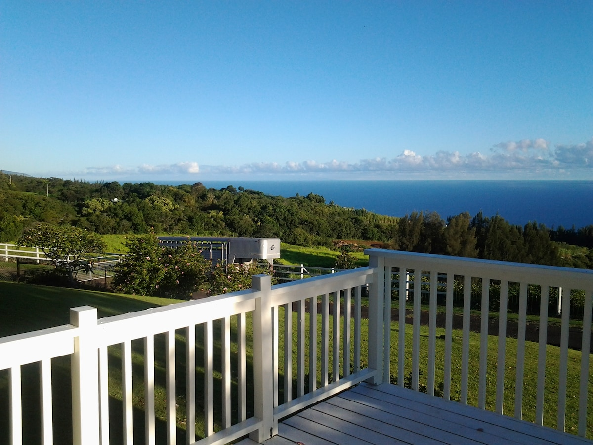 Amazing wide ocean vistas. $1250/wk