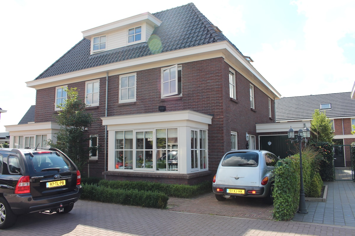 Big house near Amsterdam-15 minutes