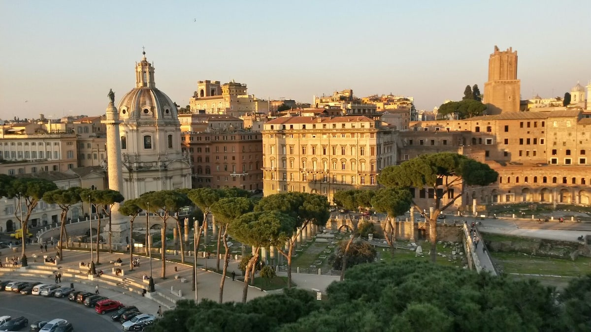 A LOVELY APARTMENT IN ROME CENTRE