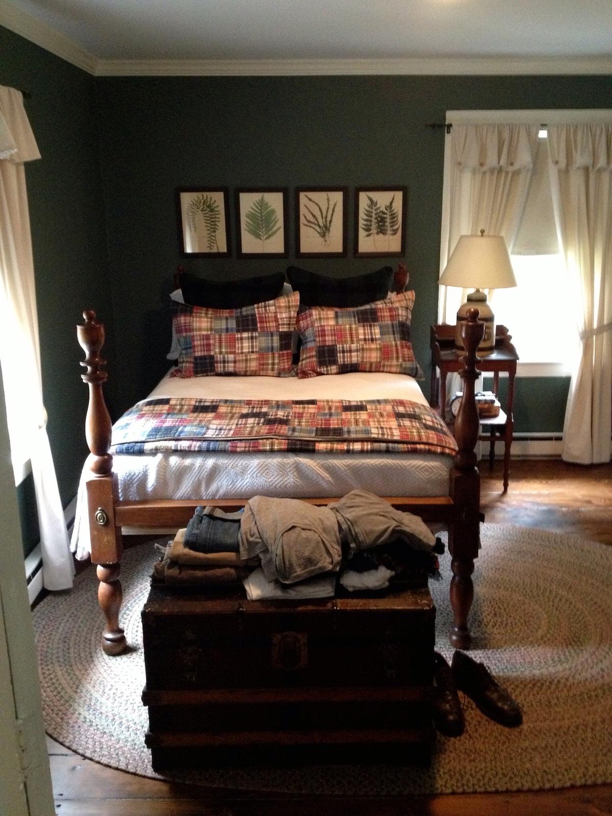 Cozy room in  Litcfield county CT