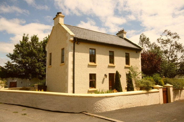 4 Bedroom detached farmhouse